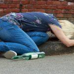 Алкоголизм у женщин, факторы, симптомы и стадии