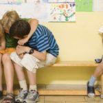 Как помочь дочери найти общий язык со сверстницами